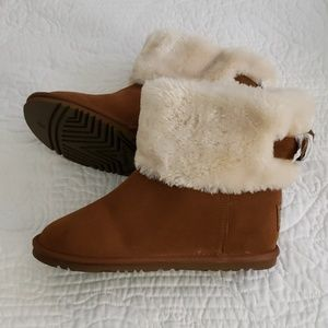 Skechers boots NWT